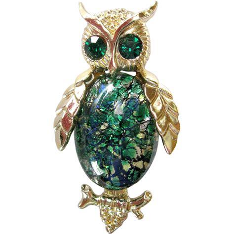Owl brooch with rhinestone eyes png 974x974